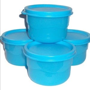 New! Tupperware Wavy snack set of four